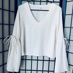 BP ivory bell sleeve blouse sz small